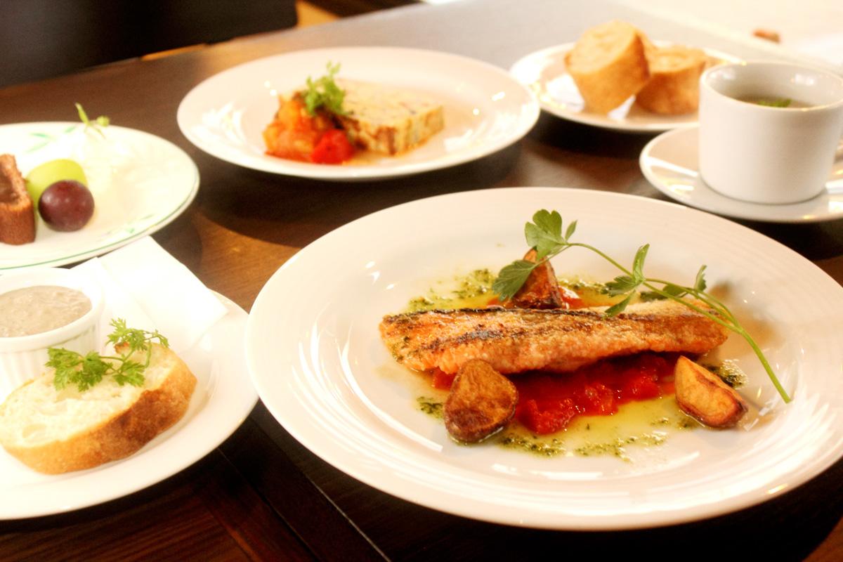 コース料理[本日の魚のムニエルVer]3300円